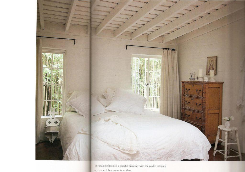Rachel_Ashwell_Shabby_Chic_Marilyn_Monroe_house_bedroom
